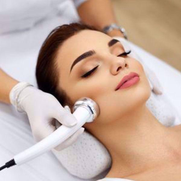 Luksus skinjet ansigtsbehandling